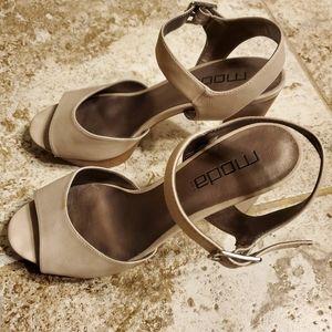 Moda Spana Brand Heels Sandals Size 10(M)